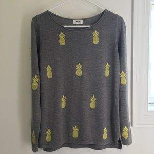 Old Navy (S) Gray sweater w/ yellow pineapples